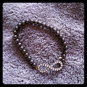 Infinity symbol stretch bracelet